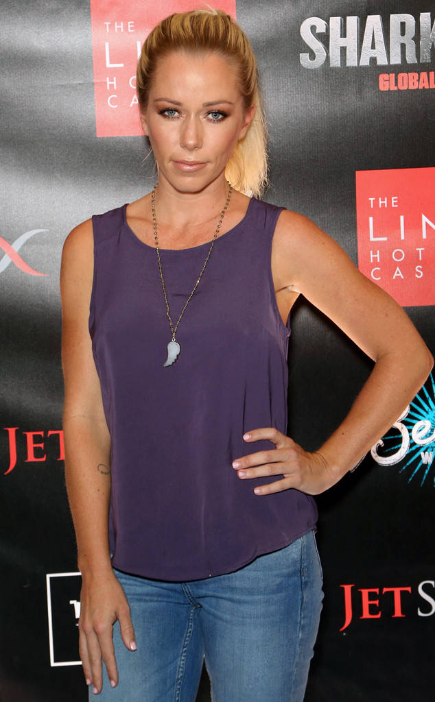 Kendra Wilkinson Tweets Cryptic Messages as Hank Baskett Drama Unfolds