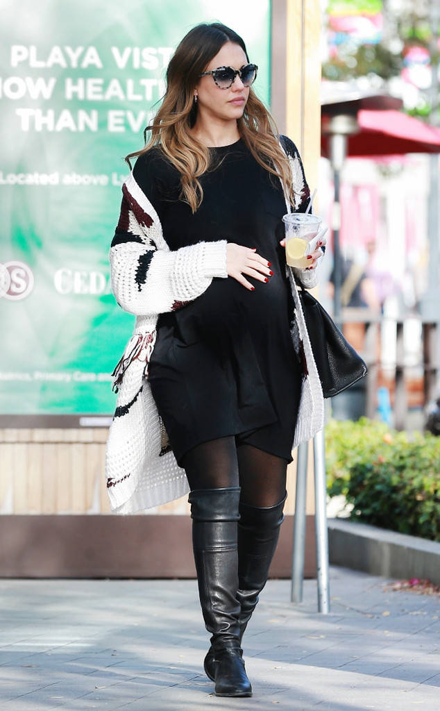 Saturday Savings: Jessica Alba's Fringed Cardigan Is Only $51!