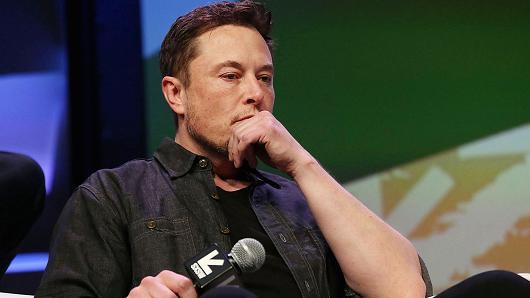 Moody's downgrades Tesla credit rating on Model 3 production delays